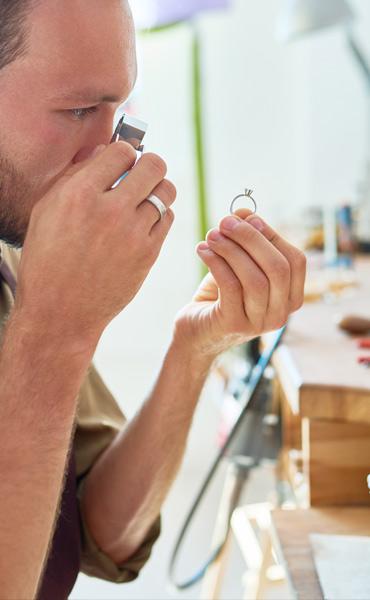 Artists' jewellery